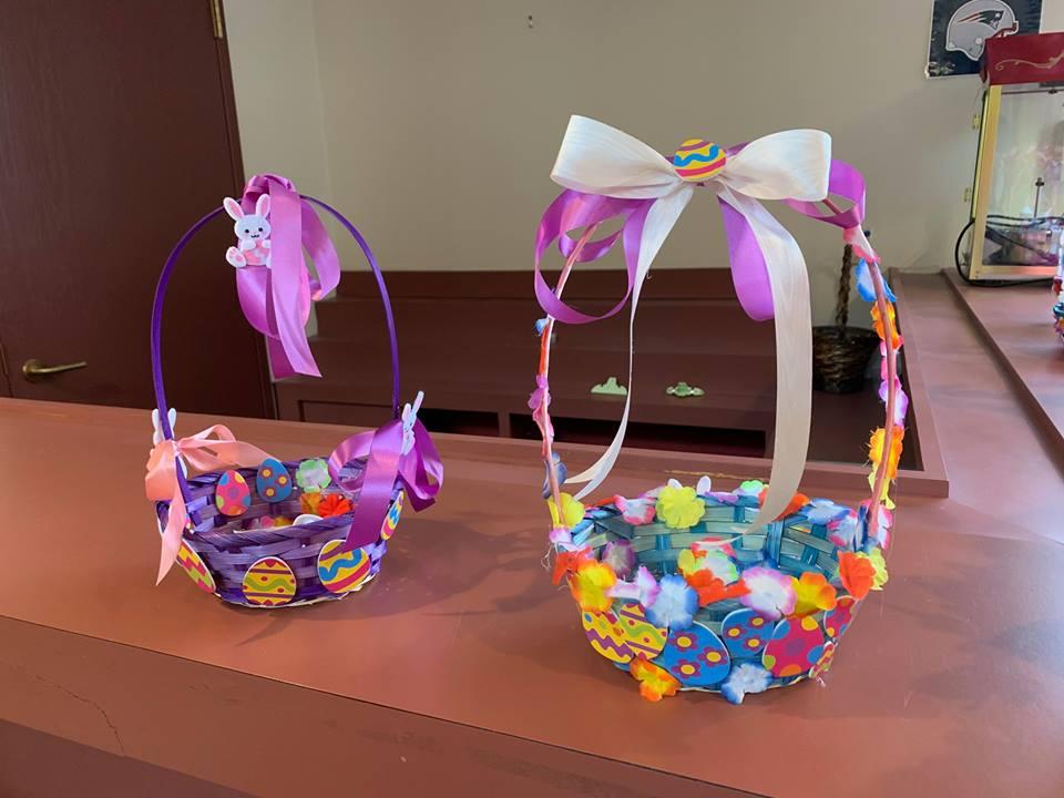 Blueberry-Hill-Easter-Basket-Decorating-2