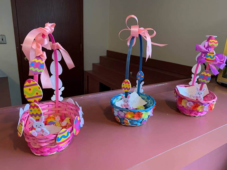 Blueberry-Hill-Easter-Basket-Decorating-4
